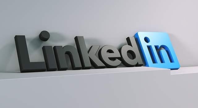 attractive LinkedIn profile