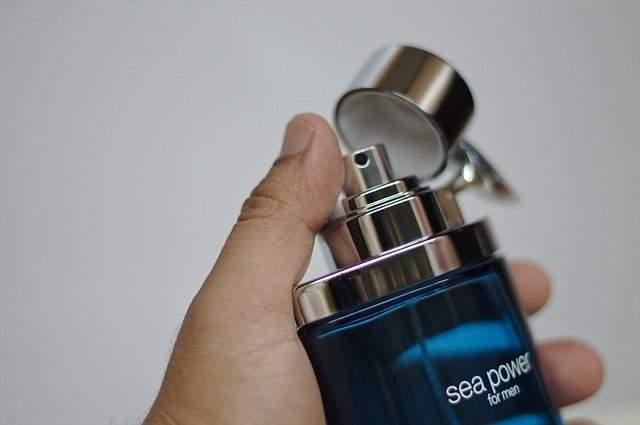 Shower, smell good spray perfume