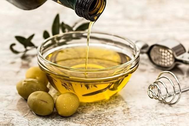 Use almonds oil