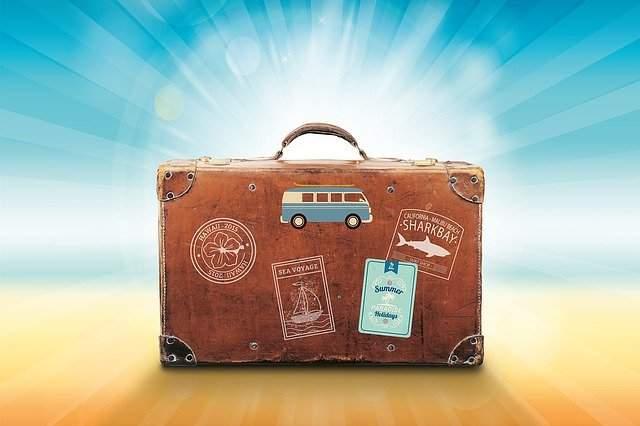 Travelling Tips for Packing Light